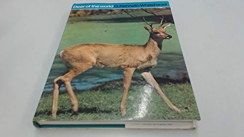 9780094560307: Deer of the World