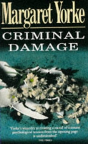 9780099141617: Criminal Damage