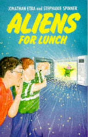 9780099174011: Aliens for Lunch (Red Fox younger fiction)