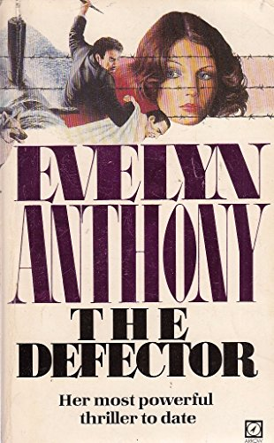 9780099267409: The Defector