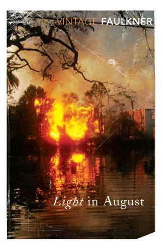 9780099283157: Light In August (Vintage Classics)