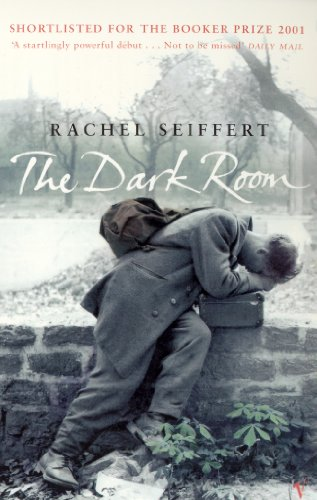 9780099287179: The Dark Room: World War 2 Fiction