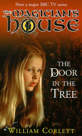 9780099407676: Door in the Tree (Magician's House)