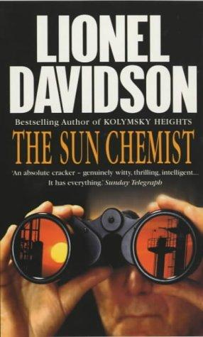 9780099415923: The Sun Chemist