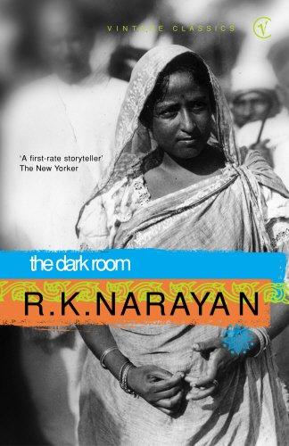 9780099428688: The Dark Room (Vintage Classics)