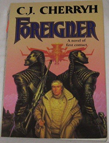 9780099443919: Foreigner