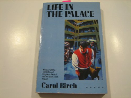 9780099698906: Life in the Palace (Arena Books)