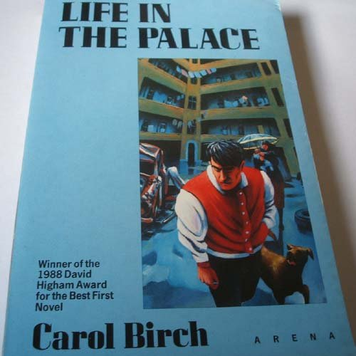 9780099698906: Life In The Palace
