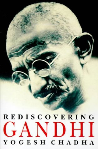 9780099795018: Rediscovering Gandhi
