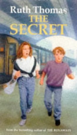 9780099840008: The Secret (Red Fox Middle Fiction)