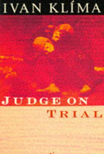 9780099999201: Judge on Trial