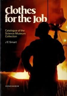 9780112904298: Clothes for the Job: Catalogue of the Collection in the Science Museum
