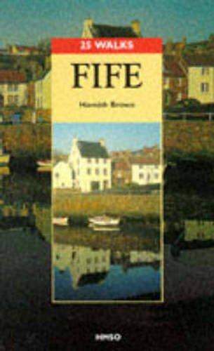 9780114952198: Fife (25 Walks Series)