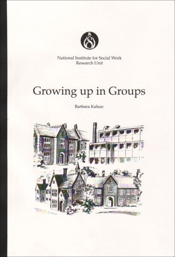 9780117018433: Growing Up in Groups