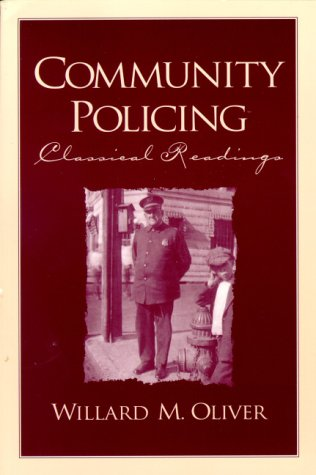 9780130800756: Community Policing: Classical Readings
