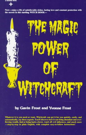 9780135453681: The Magic Power of  Witchcraft