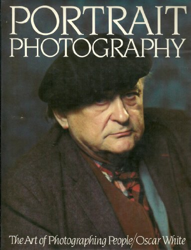 9780136873358: Portrait photography : the art of photographing people