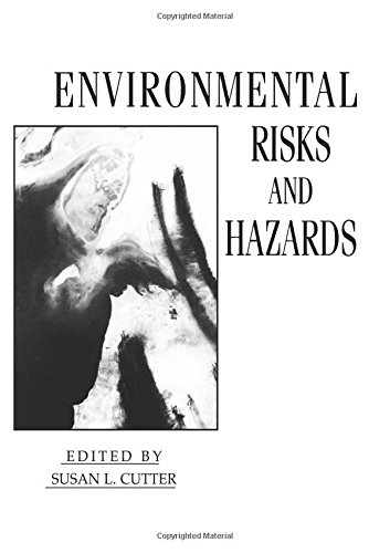 9780137538560: Environmental Risks and Hazards