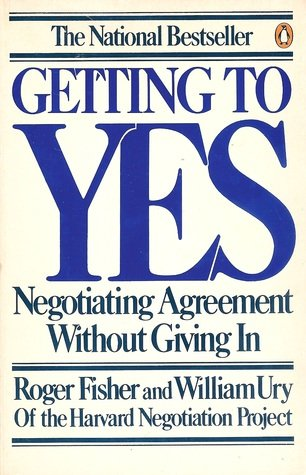 9780140065343: Getting to Yes: Negotiating Agreement Without Giving In