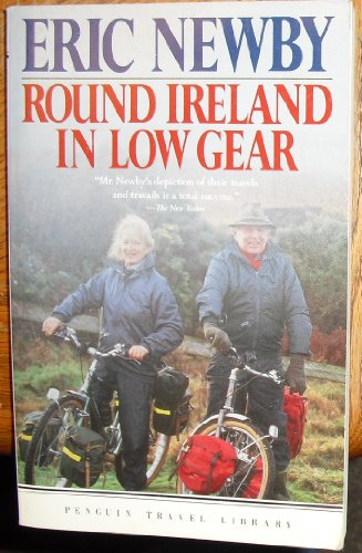 9780140095883: Round Ireland in Low Gear (Penguin Travel Library)