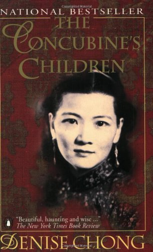 9780140126020: The Concubine's Children: The Story of a Chinese Family Living On Two Sides Of The Globe