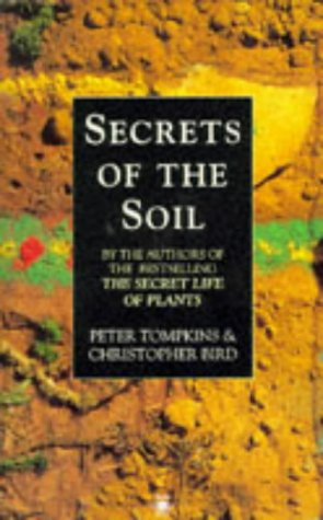 9780140193114: Secrets of the Soil (Arkana)