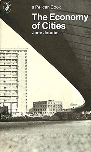 9780140214734: The Economy of Cities