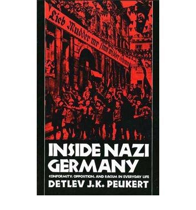 9780140228458: Inside Nazi Germany (Pelican)