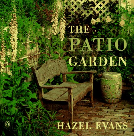 9780140251425: The Patio Garden (Gardening Library)
