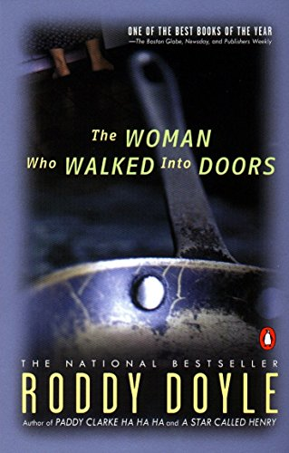 9780140255126: The Woman Who Walked into Doors