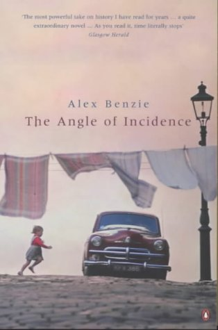 9780140265040: The Angle of Incidence