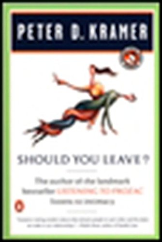 9780140272796: Should You Leave?: A Psychiatrist Explores Intimacy and Autonomy--And the Nature of Advice