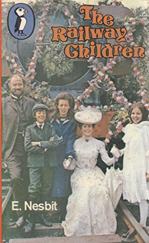 The Railway Children (Puffin Books)