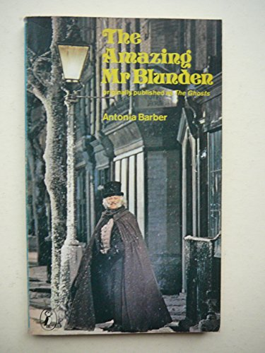 9780140305678: The Amazing Mr. Blunden (Puffin books)