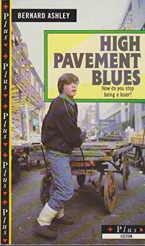 9780140316599: High Pavement Blues (Puffin Books)