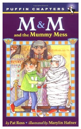 9780140320848: M & M and the Mummy Mess