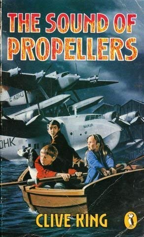 9780140321067: The Sound of Propellers