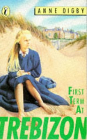 9780140324181: First Term at Trebizon (Puffin Books)