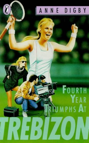 9780140324273: Fourth Year Triumphs at Trebizon (Puffin Books)