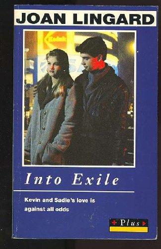 9780140326260: Into Exile (Plus)