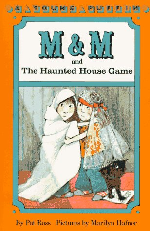 9780140345773: M & M and the Haunted House Game