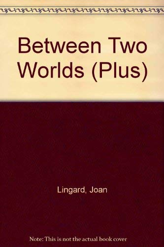 9780140348286: Between Two Worlds (Plus)