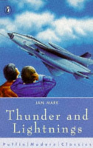 9780140366174: Thunder and Lightnings (Puffin Modern Classics)