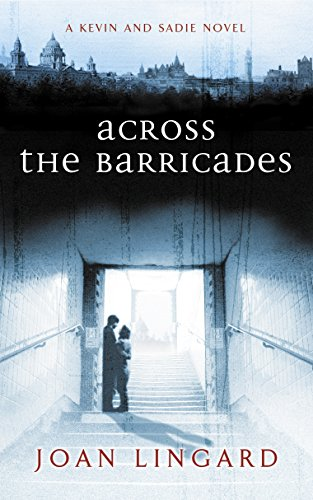 9780140371796: Across the Barricades: A Kevin and Sadie Story (Puffin Teenage Fiction)