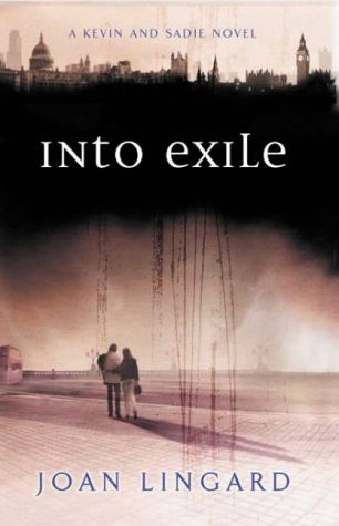 9780140372137: Into Exile (Puffin Teenage Fiction)