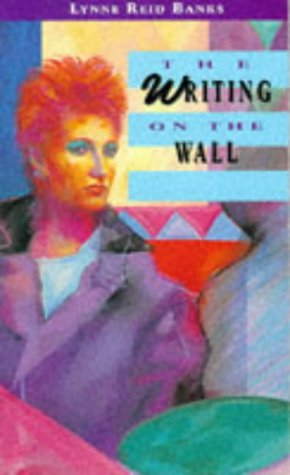 9780140372960: The Writing on the Wall (Puffin Teenage Fiction S.)