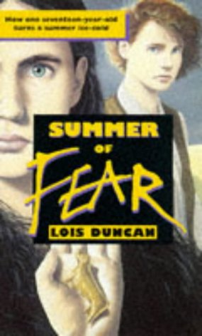 9780140373431: Summer of Fear