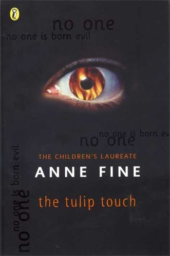 9780140378085: The Tulip Touch