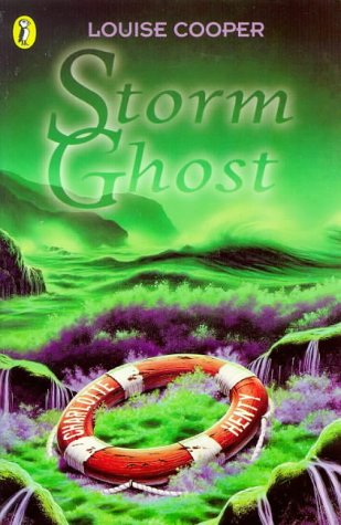 9780140386363: Storm Ghost (Surfers S.)