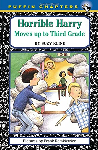 9780140389722: Horrible Harry Moves up to Third Grade (Puffin chapters)